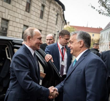 Screenshot_2019-10-30 Kormányzat - Miniszterelnök - Fotók.png