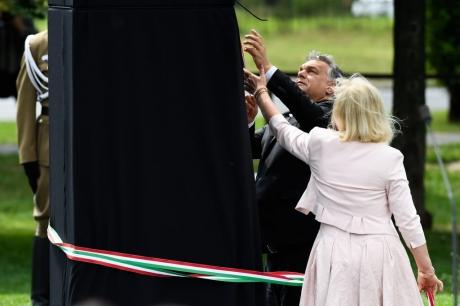 orbán-gulag-emlékmű2-1024x683.jpg
