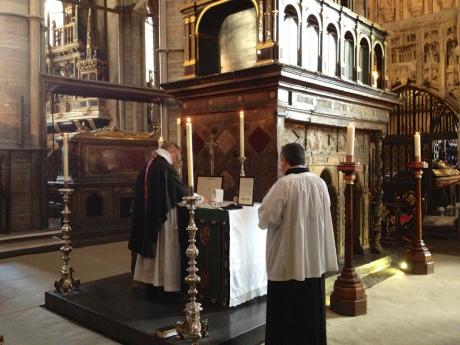 Screenshot-2017-10-12 Extraordinary Form Requiem Mass at Westminster Abbey.png