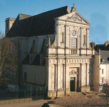 chapelle-saint-yves-vannes.jpg