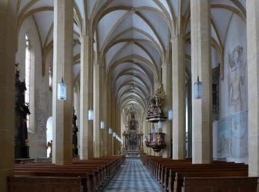 1280px-Stift_St._Lambrecht_-_3_Kirchenschiffe_der_gotischen_Stiftskirche.jpg