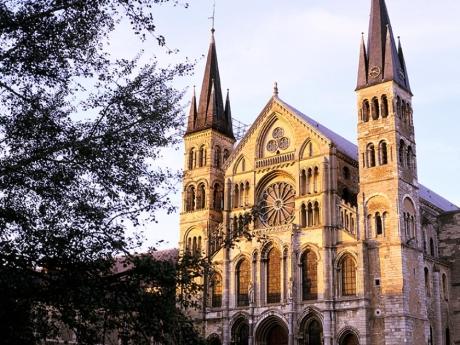 Basilique-Saint-Remi---Reims-JK.Graber-Coll.jpg