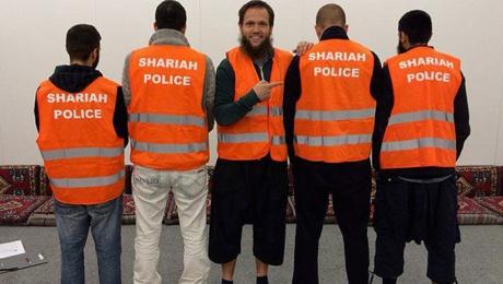Gericht-Patrouillen-der-Scharia-Polizei-legal-Keine-Anklage-story-486279_1164x658px_0348c773eb3cde0fb5db68c65915c87f__scharia-s1260_jpg_1355400_1164.jpg