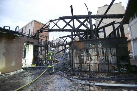 apres-l-incendie-de-jeudi-l-avenir-de-l-eglise-saint-jacques-inquiete-les-paroissiens-photo-le-dl-lisa-marcelja-1547750147.jpg
