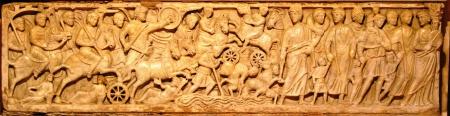 Sarcophage-Arles-mer-rouge.jpg