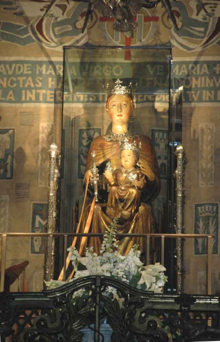 112 - Barcelona - Basilica Mare de Deu de la Merce i Sant Miquel Arcangel, virgen de la Merce.jpg