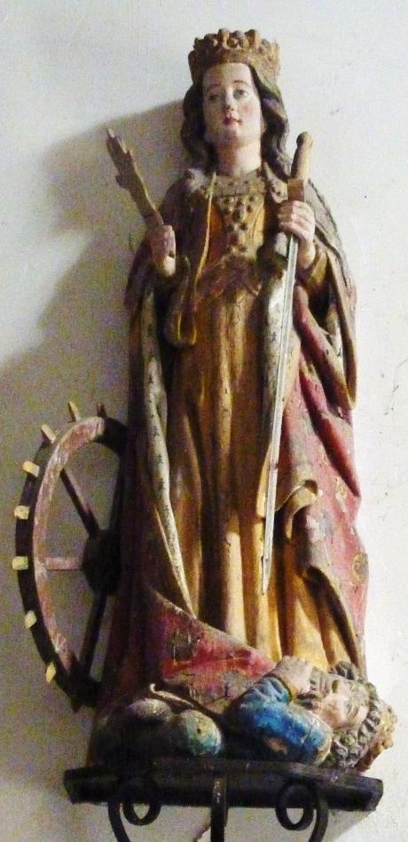 Carhaix_29_Chapelle_Sainte-Anne_statue_de_sainte_Catherine_d'Alexandrie.jpg