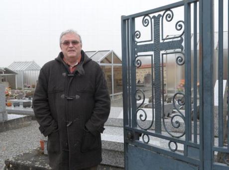 Screenshot-2017-12-11 Politique - Laïcité la croix du portail de ce cimetière en Creuse va être enlevée.png