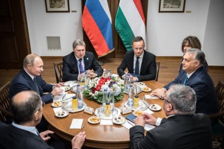 Screenshot_2019-10-30 Kormányzat - Miniszterelnök - Fotók(1).png