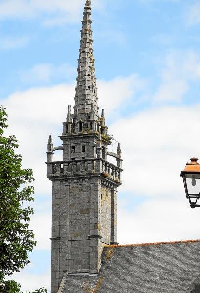 clocher-saint-pol-de-léon.jpeg