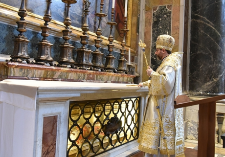 Screenshot-2017-11-13 Відбулася проща до собору Святого Петра в Римі з нагоди відзначення 150-річчя від канонізації святого[...](1).png