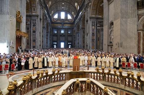 Screenshot-2017-11-13 Відбулася проща до собору Святого Петра в Римі з нагоди відзначення 150-річчя від канонізації святого[...].png