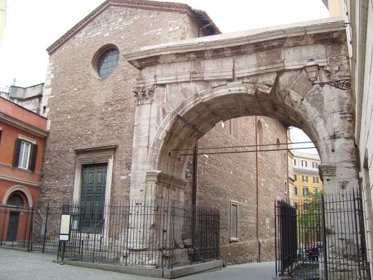 1280px-Chiesa_dei_Santi_Vito_e_Modesto_(back).JPG