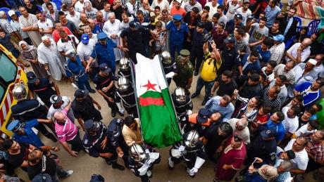 d05fe5423105437d1e9c35701969455f-l-algerie-rendu-un-dernier-hommage-rachid-taha.jpg